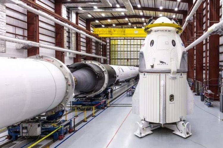 Pesawat ruang angkasa Dragon Crew milik SpaceX dijadwalkan akan membawa astronot ke ISS tahun ini.