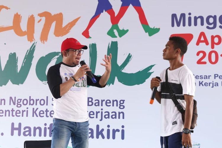Menteri Ketenagakerjaan (Menaker) M Hanif Dhakiri dalam acara Fun Walk Skill For Future di BBPLK Bekasi pada Minggu (7/4/2019).