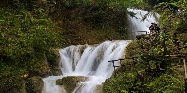 Air Terjun di Kawasan Ekowisata Sungai Mudal, Kulon Progo, Yogyakarta