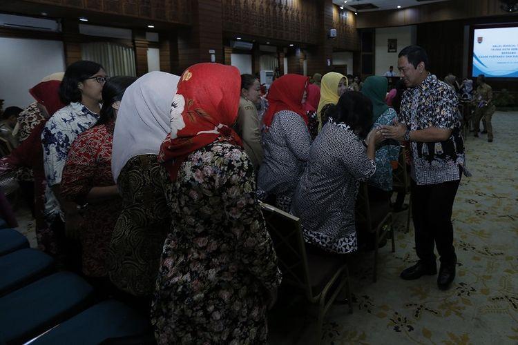 Wali Kota Semarang Hendrar Prihadi menghadiri halalbihalal dengan Tim Penggerak PKK