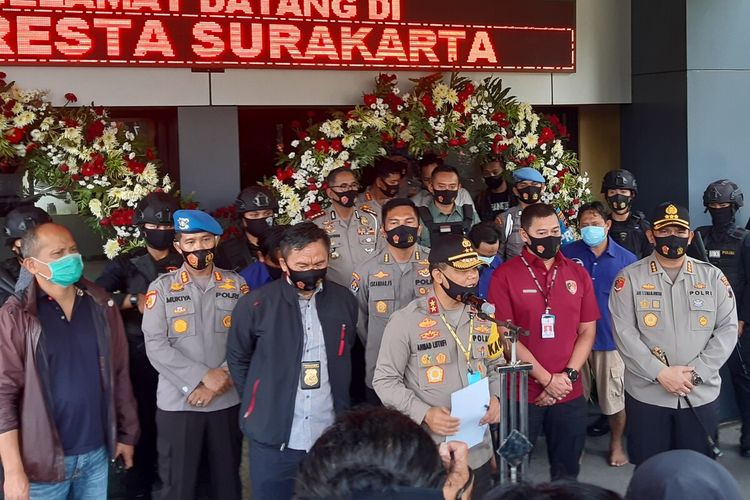 Kapolda Jateng, Irjen Pol Ahmad Luthfi memberikan keterangan pers di Mapolresta Solo, Jawa Tengah, Kamis (13/8/2020).