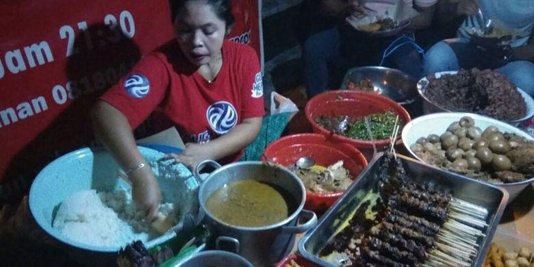 Tinah, perintis Gudeg Mercon di Yogyakarta, Sabtu (21/4/2018).