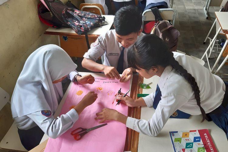 Guru perlu merancang pembelajaran yang mendorong toleransi melalui apresiasi perbedaaan pada siswa sehingga dapat terwujud masyarakat multikultural harmonis.