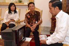 Diundang ke Istana, Kusrin Tunjukkan TV Buatannya ke Jokowi