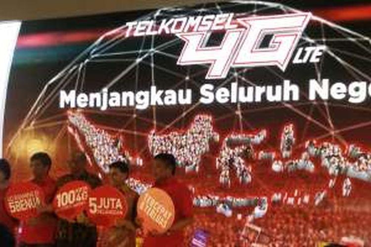 Telkomsel merayakan capaian layanan jaringan 4G LTE di 100 kota di Indonesia di gelaran Telkomsel 4G Nation di Jakarta, Sabtu (16/4/2016).