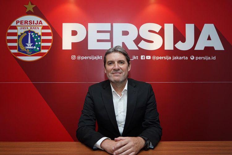 Julio Banuelos diperkenalkan sebagai pelatih baru Persija Jakarta, Sabtu (8/6/2019).