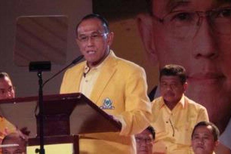 Ketua Umum Partai Golkar Aburizal Bakrie mengimbau seluruh kader untui menguatkan komitmen dan soliditas memasuki tahun politik yang mulai penuh manuver. Hal tersebut disampaikan Aburizal dalam puncak perayaan HUT Fraksi Partai Golkar ke-45 di Balai Kartini, Selasa (5/3/2013).