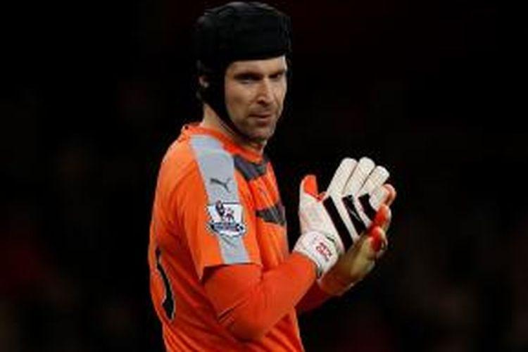 Penjaga gawang Arsenal, Petr Cech.