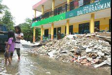 Turap Ambrol, Air Meluap ke TK dan Masjid Baiturrahman, Depok