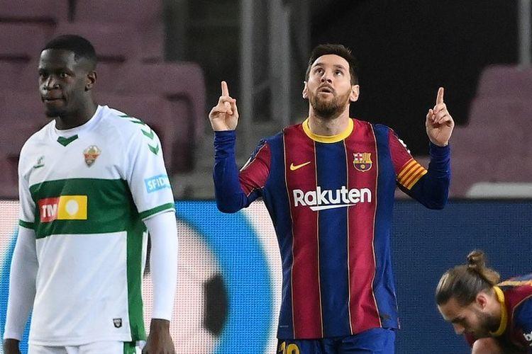 Lionel Messi mencetak dua gol pertama Barcelona (menit ke-48 dan ke-69) pada laga lanjutan LaLiga kontra Elche di Stadion Camp Nou, Kamis (25/2/2021) dini hari WIB.