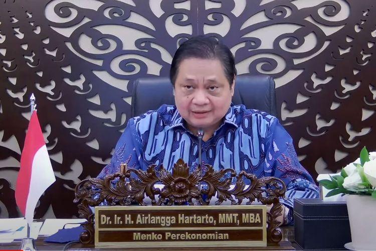Ketua KPCPEN Airlangga Hartarto menyampaikan keterangan pers usai Rapat Terbatas mengenai Penanganan Pandemi Covid-19, secara virtual, Senin (21/06/2021)