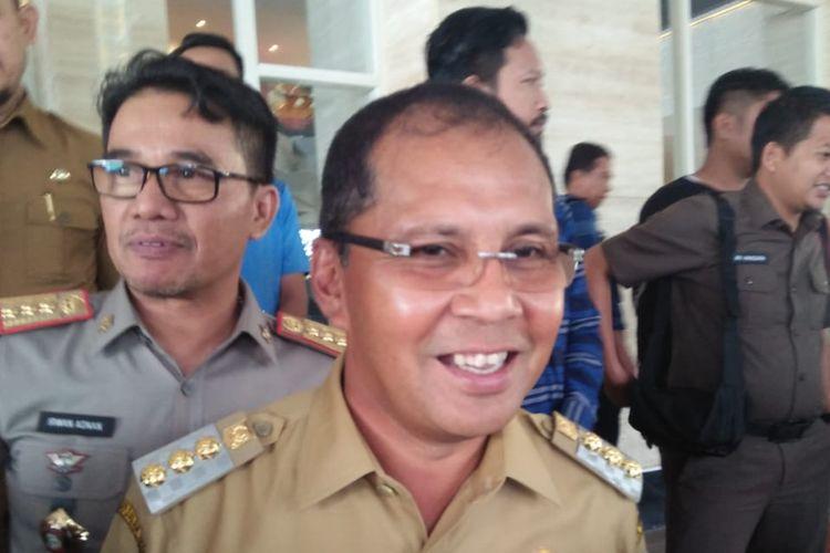Wali Kota Makassar Danny Pomanto menyerahkan data 700 persil lahan fasilitas umum (fasum) dan fasilitas sosial (fasos) di Kota Makassar kepada KPK