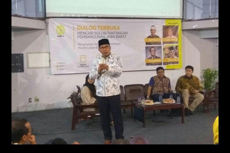 Wali Kota Bandung Ridwan Kamil menghadiri dialog terbuka di Pusat Studi Jepang, Universitas Indonesia.