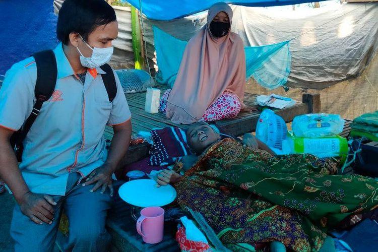 Penyaluran BST pada Korban Gempa Mamuju.