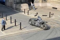 Beredar Foto Batcycle Lagi Syuting, Basisnya Bikin Penasaran