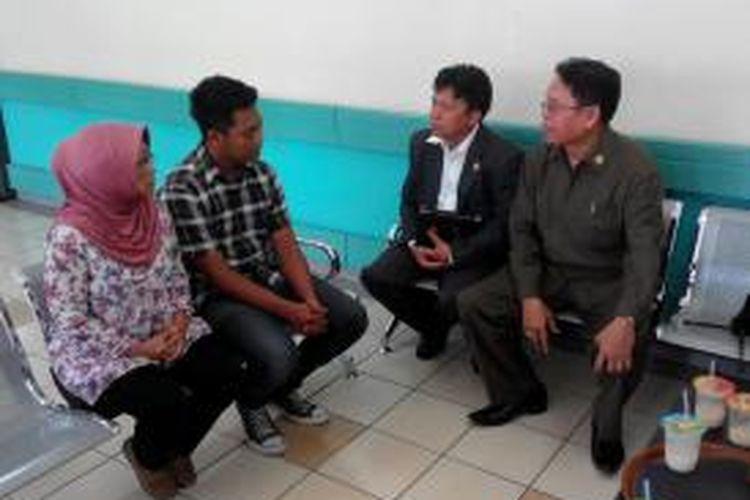 Perwakilan dari Kompolnas tengah meminta keterangan dari Suara Mahardika, suami dari DS, penculik bayi di RSHS Bandung beberapa waktu lalu.