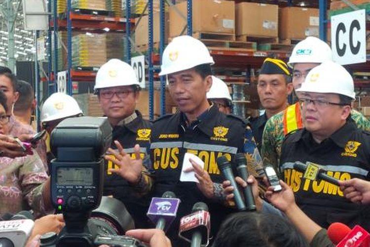 Presiden Joko Widodo di pusat logistik berikat Cilincing, Jakarta Utara beberapa waktu lalu