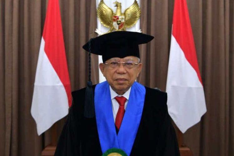 Wakil Presiden (Wapres) K.H. Ma?ruf Amin menerima gelar doktor kehormatan, Doktor Honoris Causa (Dr.Hc) oleh Rektor Universitas Muslim Indonesia (UMI) Makassar.