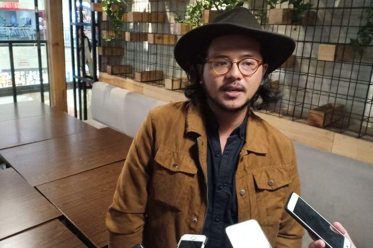 Artis peran Ramon Y Tungka dalam jumpa pers di kawasan Pondok Indah, Jakarta Selatan, Jumat (26/4/2019).
