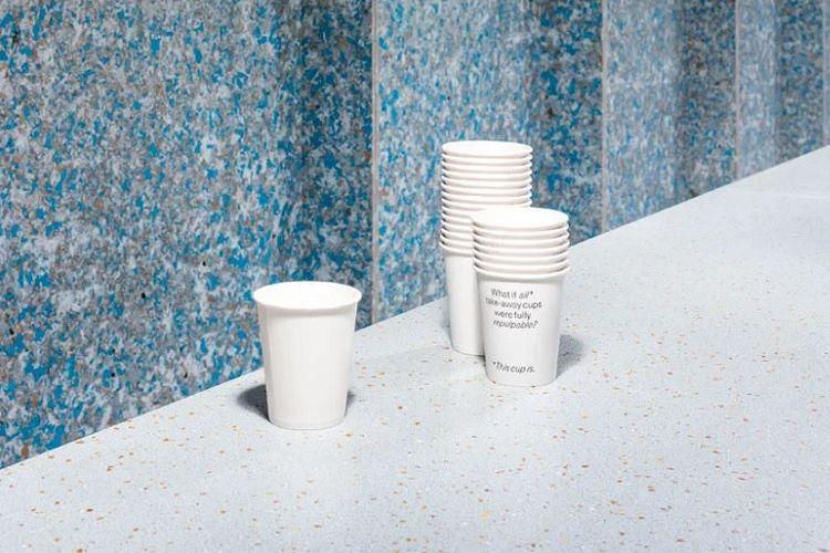 Sebuah perusahaan di Finlandia, Kotkamills, menghasilkan gelas-gelas yang diambil dari karton-karton yang dipalsukan.
