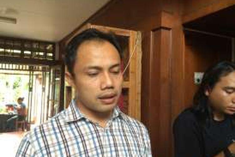 Koordinator Divisi Korupsi Politik Indonesian Corruption Watch (ICW) Donal Fariz usai diskusi di Sekretariat ICW, Jakarta, Kamis (29/9/2016).