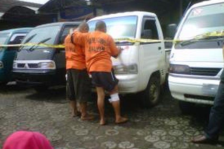 Dua tersangka pencurian kendaraan bermotor ditangkap aparat Polres Garut, Jawa Barat.