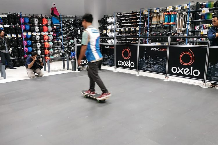 Arena skate di Decathlon Taman Anggrek