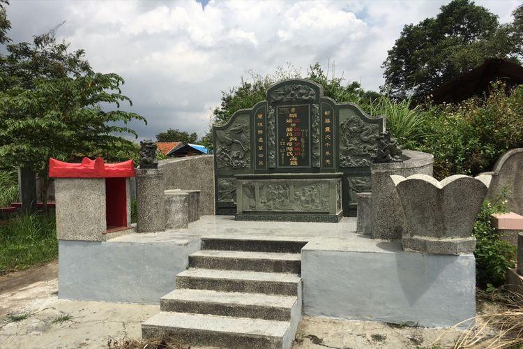 Pemakaman atau kuburan keturunan Tionghoa di Gang At-Taufiq, Kecamatan Babelan, Kabupaten Bekasi, Jawa Barat, Selasa (30/1/2018).