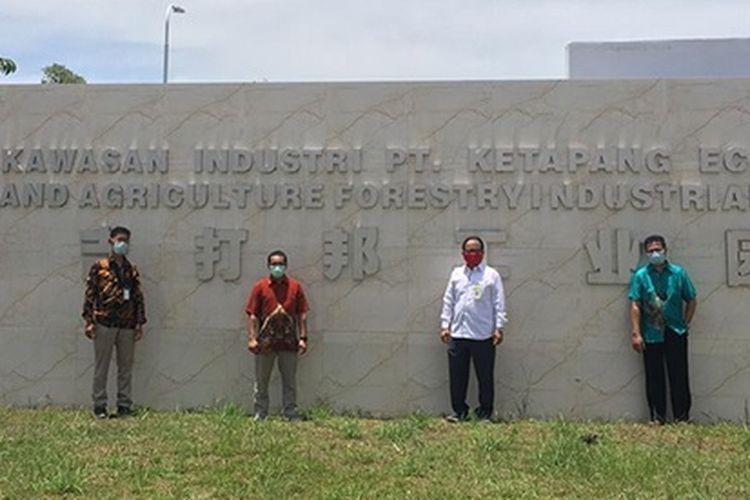 Direktur Politap Endang Kusmana bersama tim mengunjungi Kawasan Ketapang Industrial Park (KIP).