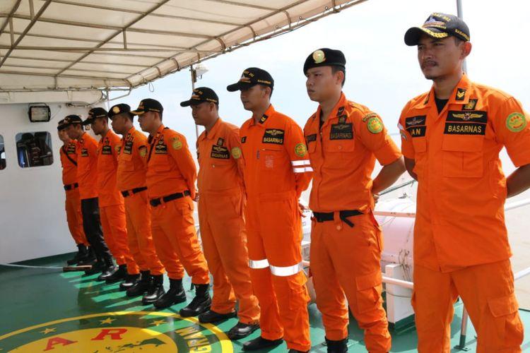 Tim Basarnas Palembang, menuju ke lokasi sungai Kong di OKI, untuk melakukan evakuasi terhadap kapal speedboat yang karam