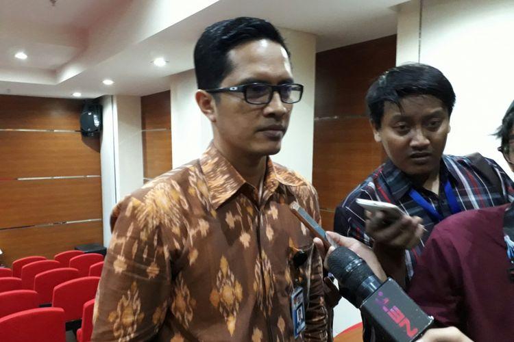 Juru Bicara KPK, Febri Diansyah, di gedung KPK, Kuningan, Jakarta, Senin (13/11/2017).
