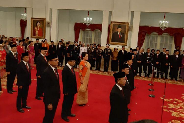 Suasana pelantikan 16 Duta Besar Luar Biasa dan Berkuasa Penuh Republik Indonesia di Istana Negara, Senin (7/1/2019), oleh Presiden Joko Widodo.