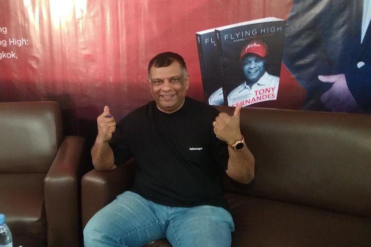 CEO AirAsia Group Tony Fernandes dalam acara peluncuran bukunya berjudul Flying High: Kisahku Membangun AirAsia dalam bahasa Indonesia di Jakarta, Kamis (4/7/2019).