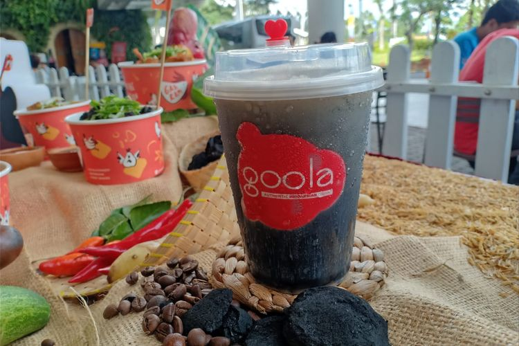 Minuman seri Frooty Charcoal dari Goola