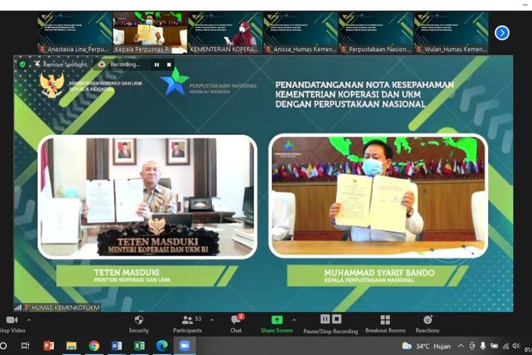 Kepala Perpusnas Muhammad Syarif Bando dan Menteri Koperasi dan UKM Teten Masduki menandatangani nota kesepahaman secara virtual pada Rabu (1/9/2021).