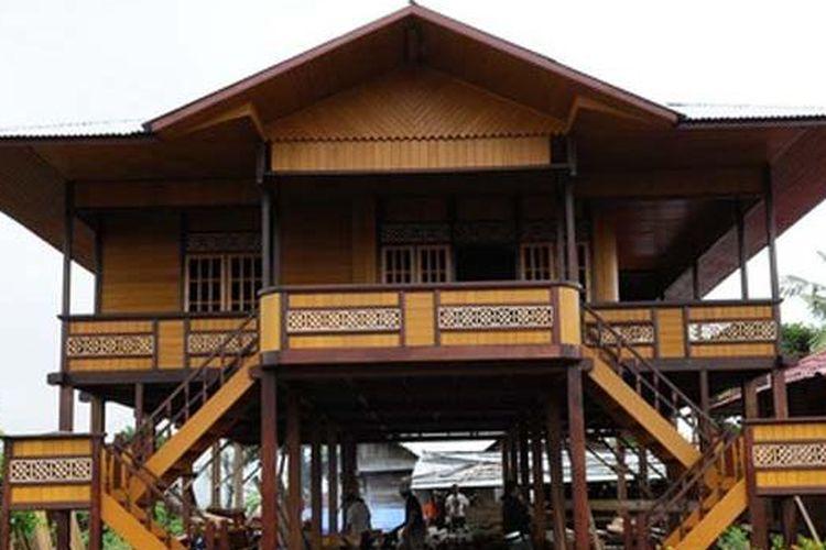 Rumah Adat Walewangko Minahasa Sulawesi Utara