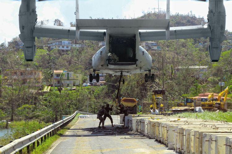 Helikopter MV-22 Osprey mendukung berbagai misi, salah satunya adalah tanggap darurat bencana.