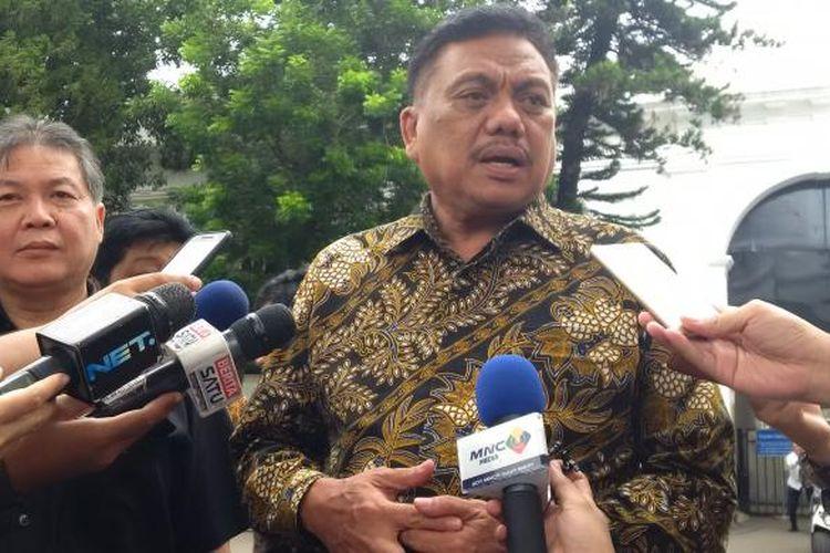 Bendahara Umum PDI-P Olly Dondokambey usai menemui Jokowi di Istana Kepresidenan, Jakarta, Senin (27/6/2016).