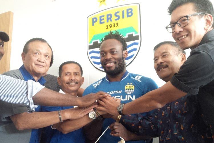Mantan pemain Chelsea, Michael Essien, resmi bergabung ke Persib Bandung, Selasa (14/3/2017).