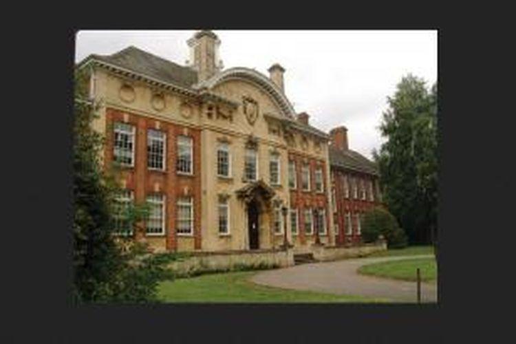 Dari daratan Britania, Universitas Northampton terpilih menjadi partner Binus University. Berpusat di Inggris bagian tengah, perguruan tinggi ini memiliki reputasi di bidang Manajemen Limbah, Teknologi Kulit, dan Fesyen.