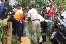 Land Cruiser Masuk Jurang, Mayat Pria Terjepit di Ban Belakang