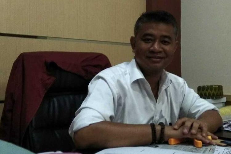 Wakil Ketua DPRD sekaligus Ketua DPC PDI Perjuangan Kota Tasikmalaya, Muslim, di kantornya.