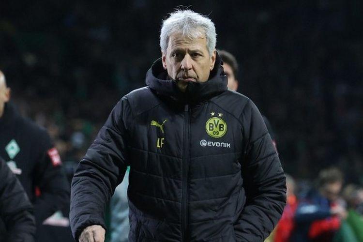 Pelatih Borussia Dortmund, Lucien Favre, usai laga babak 16 besar DFB Pokal menghadapi Werder Bremen di Weserstadion, Rabu (5/2/2020).