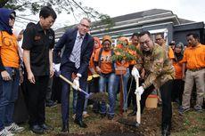 Rektor IPB dan Wakil Menteri Belanda Tanam Pohon Bersama di Kota Bogor