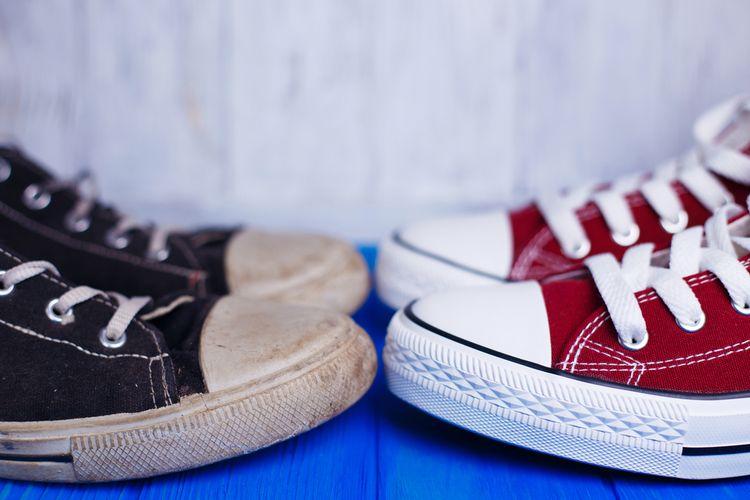 """""""Gurihnya"""" Bisnis Cuci Sepatu... Halaman all - Kompas.com"""