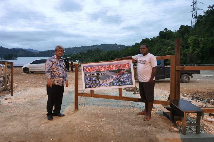 Kepala Balai Besar Pelaksanaan Jalan Nasional (BBPJN) XVIII Papua Osman H Marbun memastikan plang tarif Jembatan Youtefa di Jayapura, adalah inisiatif warga setempat dan hanya berlaku untuk kawasan wisata. Osman mengecek langsung lokasi berdirinya plang tarif yang sudah digeser ini, Rabu (6/11/2019).