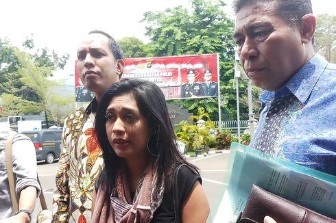 Karen Pooroe Penuhi Panggilan Polisi Terkait Kematian Anaknya