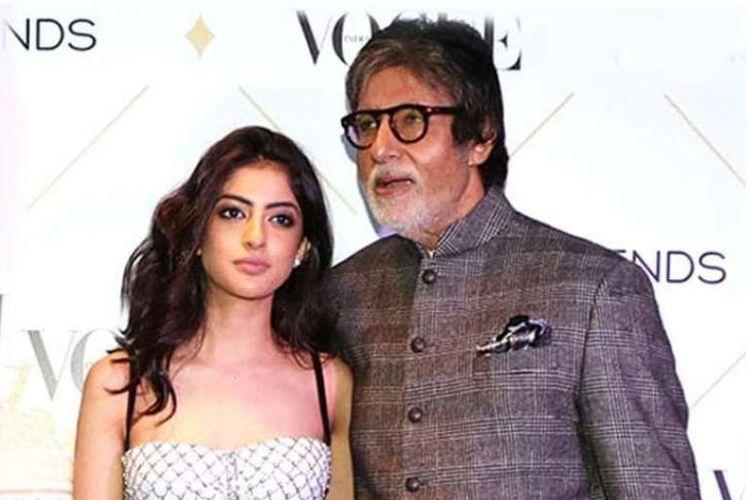 Amitabh Bachchan bersama cucunya Navya Naveli Nanda