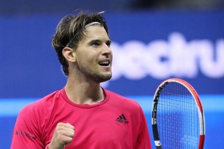 Petenis Austria, Dominic Thiem, mengalahkan Daniil Medvedev dalam partai semifinal US Open 2020, 12 September 2020.
