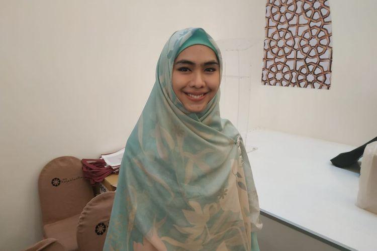 Artis peran Oki Setiana Dewi saat ditemui di Mal Kota Kasablanka, Tebet, Jakarta Selatan, Minggu (2/6/2019).